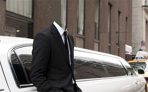 PSD шаблон для мужчин - Рядом со своим лимузином в костюме